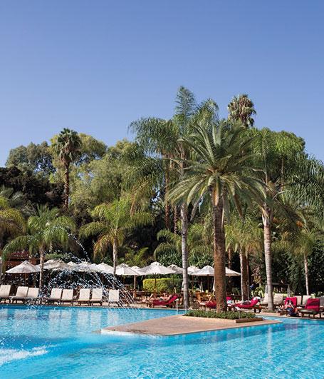 restaurant-autour-piscine-marrakech