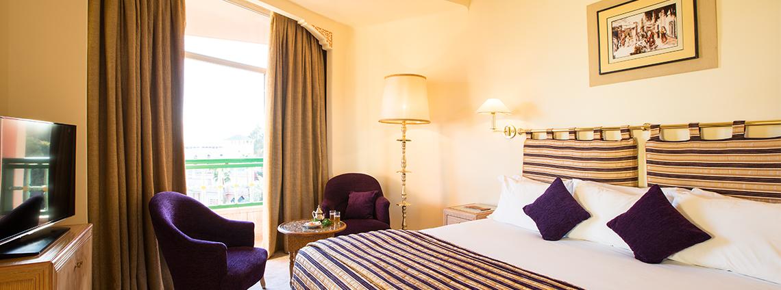 Suite deluxe vue atlas es saadi marrakech resort for Hotels 5 etoiles marrakech