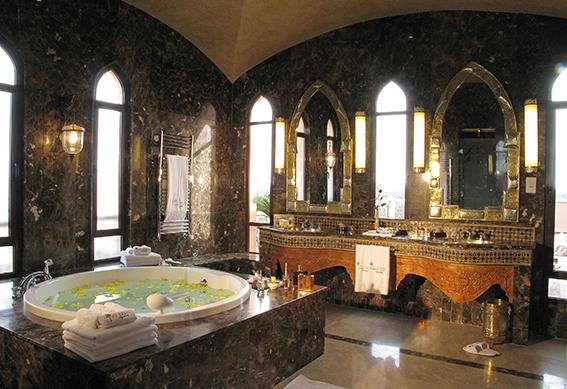 salle-bain-jacuzzi-palace-marrakech